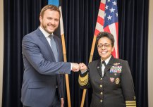 Minister of Defence Margus Tsahkna and U.S. Naval Forces Europe-Africa/U.S. Sixth Fleet's Commander Michelle Howard