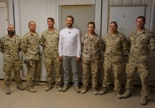 Minister of Defence Tsahkna is meeting with Estonian servicemen in Iraq