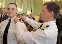 Sõjakooli lõpetasid esimesed mereväeohvitserid