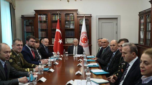 Luik arutas Türgis olukorda Mustal merel