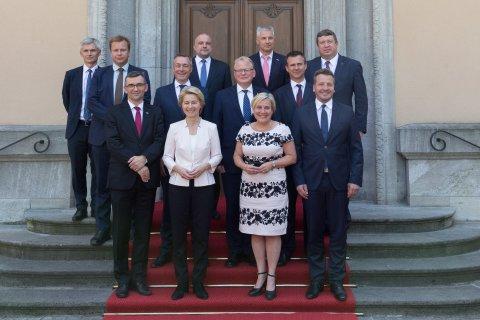 Kaitseminister Jüri Luik osales eile Põhjala Grupi kaitseministrite kohtumisel, kus arutati muuhulgas edusamme sõjalise mobiilsuse arendamisel.