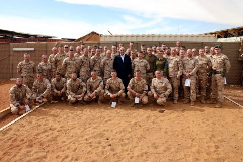 PHOTOS: Estonian Minister of Defence met with Estonian servicemen serving in Mali