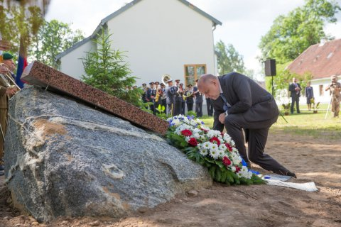 Minister of Defence Luik marked the anniversary of the Battle of Cesis, in Latvia