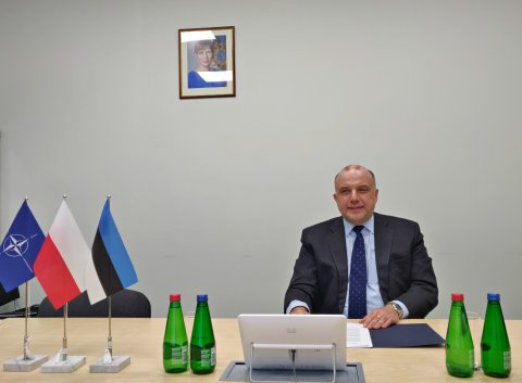 Estonian and Polish Ministers of Defence Jüri Luik and Mariusz Blaszczak met over a video link.
