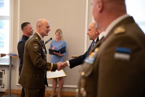 Minister of Defence recognised volunteers who came to the rescue during the emergency situation
