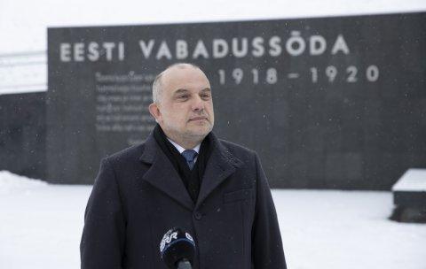 Kaitseminister Luik mälestas vaikuseminutiga Vabadussõjas langenuid