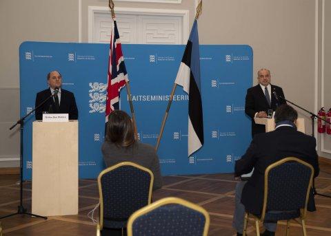 Kaitseminister Jüri Luik Ühendkuningriigi kollegi Ben Wallace'i phine pressikonverents.