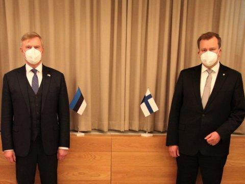 Eesti kaitseminister Kalle Laanet ja Soome kaitseminister Antti Kaikkonen.
