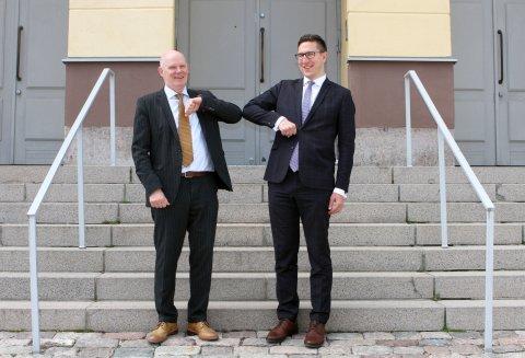 Soome Kaitseministeeriumi kantsler Jukka Juusti ja Kaitseministeeriumi kantsler Kusti Salm. Foto: Soome Kaitseministeerium
