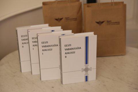 Tna esitleti Tartus Eesti Sjamuuseumi ja kirjastus Varraku koosts ilmunud uut levaateteost Eesti Vabadussjast