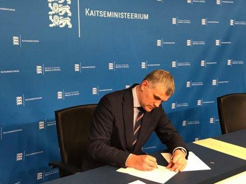 Eesti allkirjastas uute soomukite arendamise tehnilise leppe.