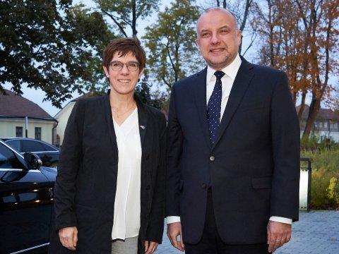 Kaitseminister Jüri Luik ja Saksa kaitseminister Annegret Kramp-Karrenbauer eelmise aasta oktoobris Eestis aset leidnud kohtumisel.