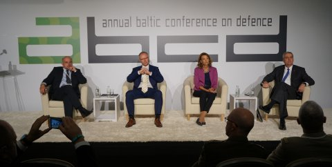 """Tallinnas peetav julgeolekukonverents ABCD vaatab euroatlantilise julgeoleku tulevikku pealkirja """"Sild üle rahutu vee"""" all."""