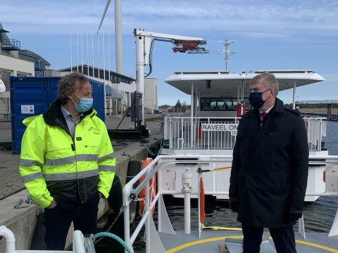 The Minister of Defence Laanet paid a visit to Saaremaa