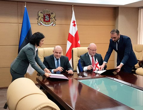 Minister of Defence Jüri Luik met today, in Tbilisi, with his Georgian colleague, Levan Izor