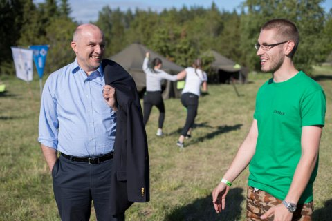 Minister of Defence visited the large Defence League youth camp Spectrum
