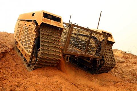 Fotod lisatud: Eesti kaitseväelased testivad Milrem Robotics mehitamata maismaasõidukit Malis