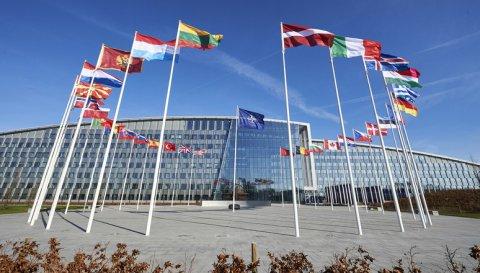 NATO kaitseministrite kohtumisel arutati alliansi heidutus- ja kaitsehoiakut, kriitilise taristu kaitset ning sõjalisi operatsioone Afganistanis ja Iraagis. Foto: NATO